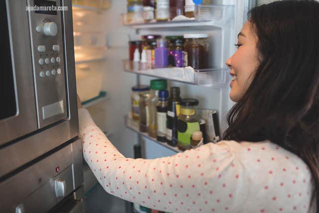 como tirar cheiro ruim da geladeira e freezer quando acaba a luz e algum alimento estraga dentro dela.